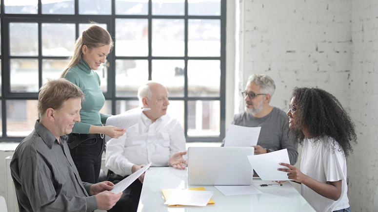 Sucessão familiar: empresas têm o desafio de preparar próximas gerações para continuidade do negócio